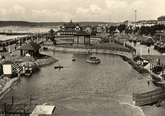 Paddling Pools c1920?